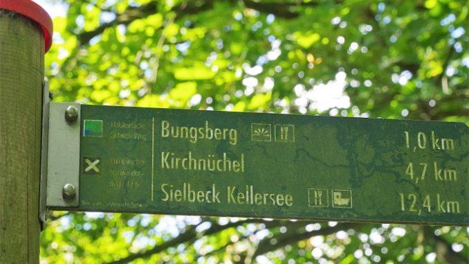 Schild zum Bungsberg